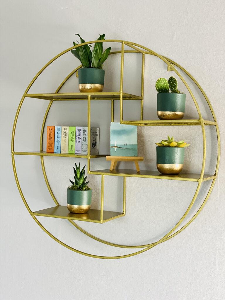 Circular antique brass shelf - Arbol House